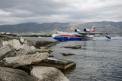 Pesawat Amfibi Be-200. Foto: Mikhail Mokrushin/RIA Novosti