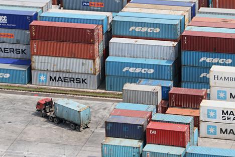 Pembentukan Zona Perdagangan Bebas antara Rusia dan negara-negara Uni Eropa akan menghapus hambatan bea cukai bagi ekspor produksi dalam negeri Rusia. Foto: Alexey Malgavko/RIA Novosti