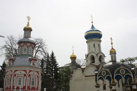 Lavra adalah biara untuk biarawan tingkat tinggi dalam Gereja Ortodoks sekligus biara terpenting bagi pemeluk agama Ortodoks di Rusia. Foto: Ajay Kamalakaran