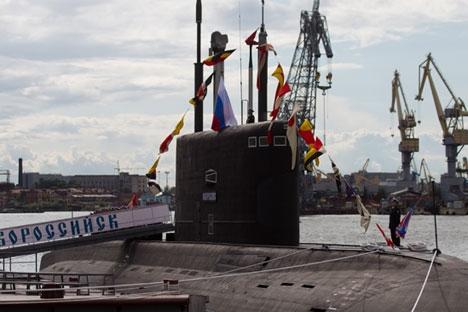 """Kapal selam pertama yang dijuluki oleh negara lain sebagai """"lubang hitam"""" ini sudah resmi masuk menjadi bagian dari Armada Laut Hitam Rusia. Foto: RIA Novosti"""