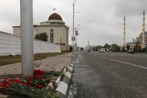 Seorang teroris melakukan aksi bom bunuh diri di sekitar pintu masuk area perayaan hari jadi kota Grozny, ibukota Republik Chechnya, pada Minggu (5/10) lalu. Foto: Said Tsarnaev/RIA Novosti