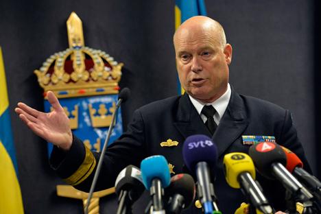 Mayjen Marinir Angkatan Laut Swedia Anders Grenstad dalam konferensi pers di Departemen Pertahanan. (Reuters)