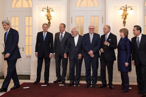Semua peserta negosiasi berharap dapat menandatangani dokumen akhir perundingan ini dalam waktu tiga hingga empat bulan mendatang. Foto: AFP/ East News