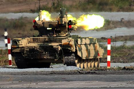Pada awal tahun ini, pengembang BMPT memamerkan BMPT versi terbaru, Terminator 2, di pameran DEFEXPO 2014. Foto: Konstantin Zafargen/Rossiyskaya Gazeta