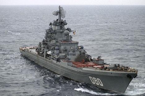 Kapal jelajah berat Laksamana Nakhimov berlayar di Laut Barents. Foto: RIA Novosti