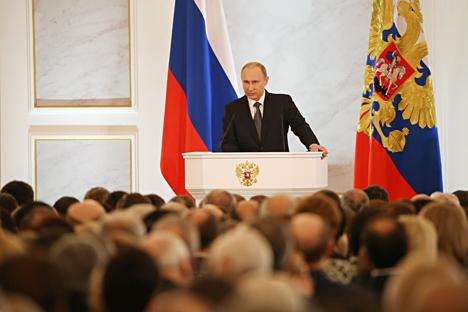 Dalam pidato tahunan kedua di hadapan Dewan Federasi yang disampaikan pada Kamis (4/12) lalu, Presiden Putin mengumumkan sebuah program berskala besar dalam rangka liberalisasi ekonomi Rusia. Foto: Konstantin Zavrazhin/RG