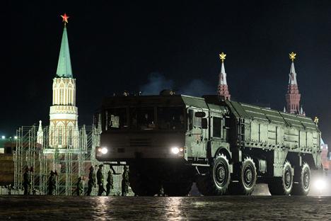 Iskander mampu membawa dua roket yang dapat ditujukan pada dua sasaran berbeda. Foto: RIA Novosti