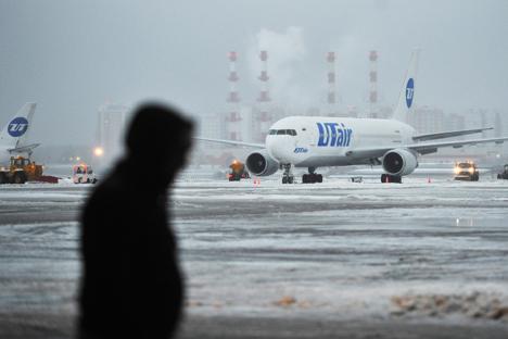 Maskapai UTair sendiri masuk ke dalam tiga besar pemimpin pasar penerbangan Rusia. Foto: Ramil Sitdikov/RIA Novosti