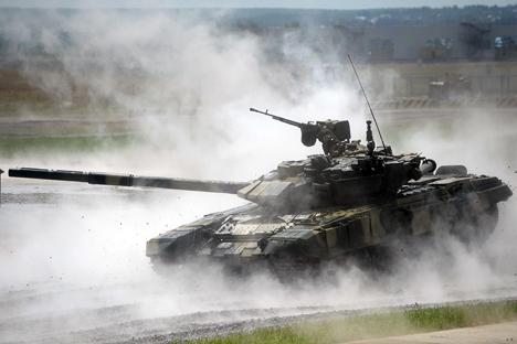 Berdasarkan data dari perusahaan milik negara Ronoboronexport, pembelian senjata siap pakai dari Barat tidak lebih dari satu persen dan pemberhentian pembelian tersebut tak akan memberikan pukulan terhadap kemampuan pertahanan Rusia. Foto: Vladimir Astapkovitch/RIA Novosti