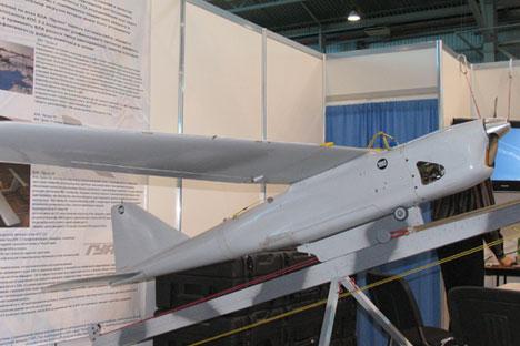 Pesawat pemantau tanpa awak (UAV) Orlan-10. Foto: Press photo