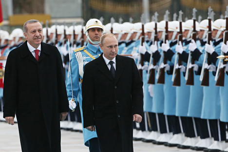 Para pengamat berpendapat bahwa perundingan Putin dengan Recep Erdogan di Ankara berlangsung pada momen yang menguntungkan Rusia. Foto: Konstantin Zafargen/Rossiyskaya Gazeta