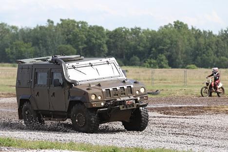 Mobil lapis baja yang dikirim oleh Italia dan dirakit di Rusia ini berjumlah 358 unit, meski kontrak pembelian yang ditandatangani pada 2011 lalu menetapkan pembelian lebih dari 1.700 unit, bahkan kemudian bertambah menjadi tiga ribu unit. Foto: Valery Melnikov /RIA Novosti