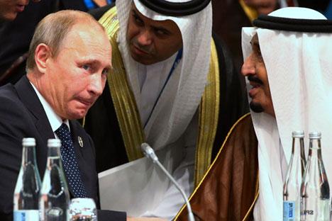 Apakah ada konsultasi bilateral antara Rusia dan Arab Saudi mengenai harga minyak mentah? Kredit: Reuters