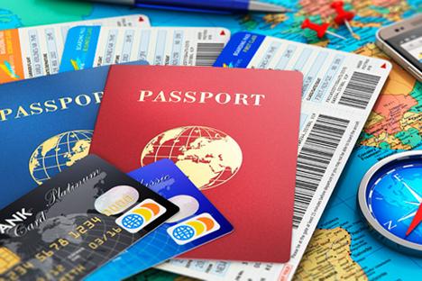 Orang asing harus mendaftarkan visa mereka dalam waktu tujuh hari kerja setelah tiba di Rusia di luar hari libur dan akhir pekan.