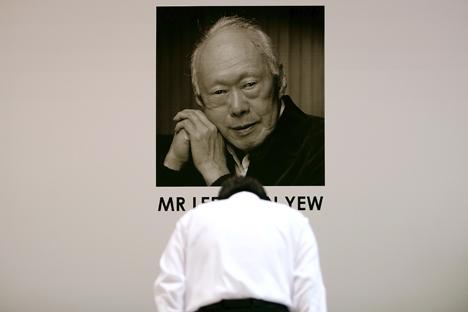 Pengalaman Lee Kuan Yew membangun Singapura masih relevan untuk diteladani oleh para pemimpin dunia dan tokoh ekonomi negara berkembang, termasuk Rusia. Foto: Reuters
