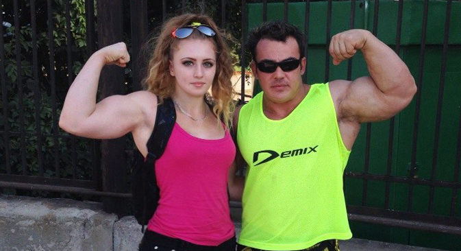 Atlet Remaja Berotot Besi, Penakluk Rekor Dunia