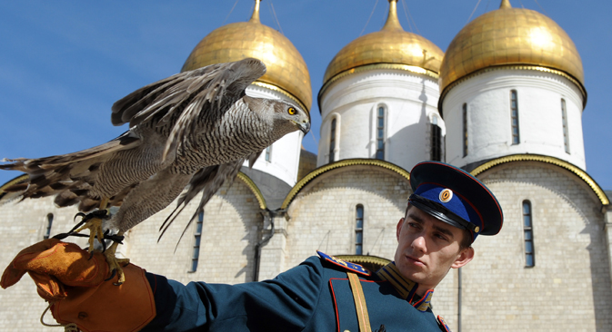 Kremlin ternyata mempekerjakan beberapa 'pegawai berbulu' sebagai stafnya. Foto: TASS