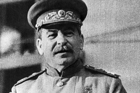 Mitos yang muncul pada masa kepemimpinan sang diktator masih menjadi dasar bagi pembuatan keputusan negara hingga saat ini, ujar para pakar. Foto: TASS