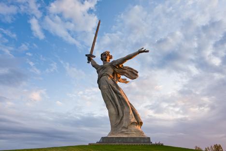 Saat Patung Ibu Pertiwi Memanggil didirikan pada 1967, patung ini masuk dalam Guinness Book of Records sebagai patung tertinggi di dunia yang menjulang setinggi 85 meter, belum termasuk alas tumpuannya. Foto: Lori/Vostock-Photo