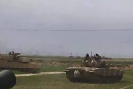 Dua musuh bebuyutan di era Perang Dingin, tank Amerika M1A1M Abrams dan tank Soviet T-72C, kini bersatu padu di Irak untuk melawan ISIS. Foto: Military.ir