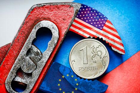 Pakar menilai, jika harga minyak meningkat dan modal keluar dari Rusia tetap berada di level yang sama seperti saat ini, prospek rubel pada 2016 akan semakin suram. Foto: DPA/Vostock Photo