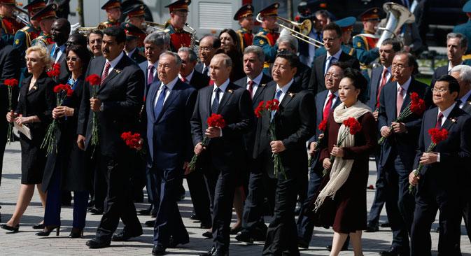 Para pemimpin dunia menghadiri Parade Hari Kemenangan di Moskow. Foto: AP