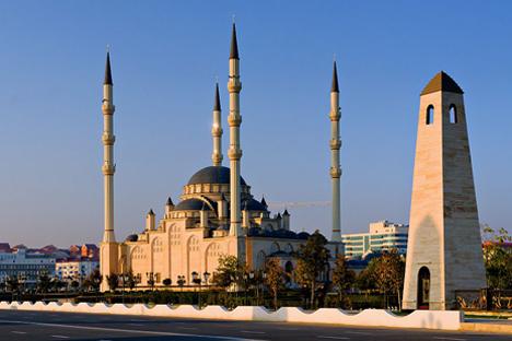 Grozny modern, selain namanya, memiliki sangat sedikit kesamaan dengan kota yang dibangun pada abad ke-19. Foto: timag82.livejournal.com