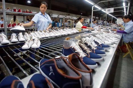 Posisi Tiongkok sebagai negara nomor satu di dunia dalam produksi tekstil murah mulai goyah karena kehadiran negara-negara berkembang di Asia yang mulai memasuki pasar seperti India, Bangladesh, Vietnam, dan Indonesia. Foto: Reuters