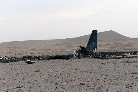 Puing-puing pesawat An-12 yang jatuh ditemukan. Foto: EPA