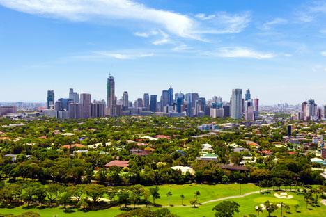 Pemandangan dari atas kota Makati, daerah pusat ekonomi dan bisnis modern Metro Manila, Filipina. Foto: Shutter/Legion Media