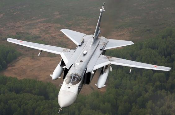 Jet tempur Su-24 Pasukan Kedirgantaraan Rusia menggempur markas kelompok teroris front al-Nusra di dekat desa Rasm al-Eis, 28 kilometer sebelah barat daya Aleppo.