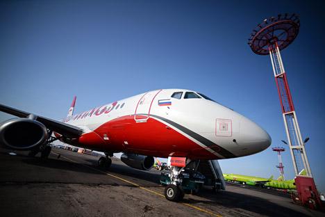 SSJ-100 no aeroporto Domodêdovo, em Moscou