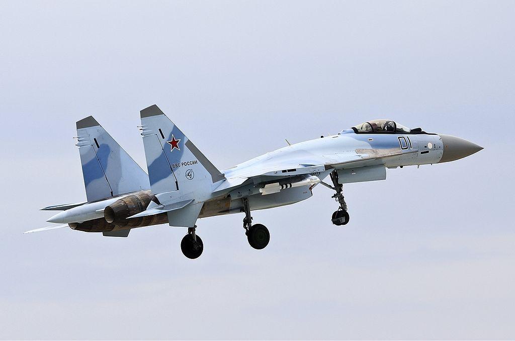 Adanya antrean pembelian jet tempur Su-35 dari beberapa negara lain menyebabkan Indonesia harus bersabar menerima pasokan Su-35 pertamanya hingga dua tahun mendatang.