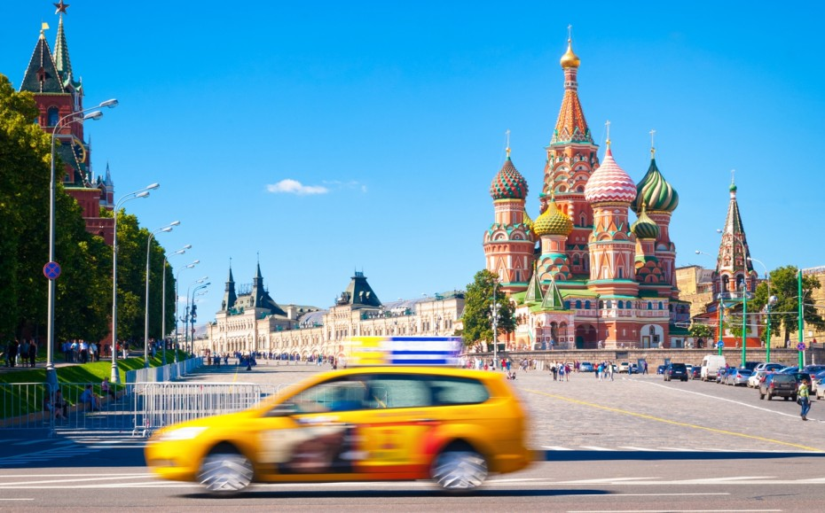 More than 260,000 Muscovites use taxi services every day.