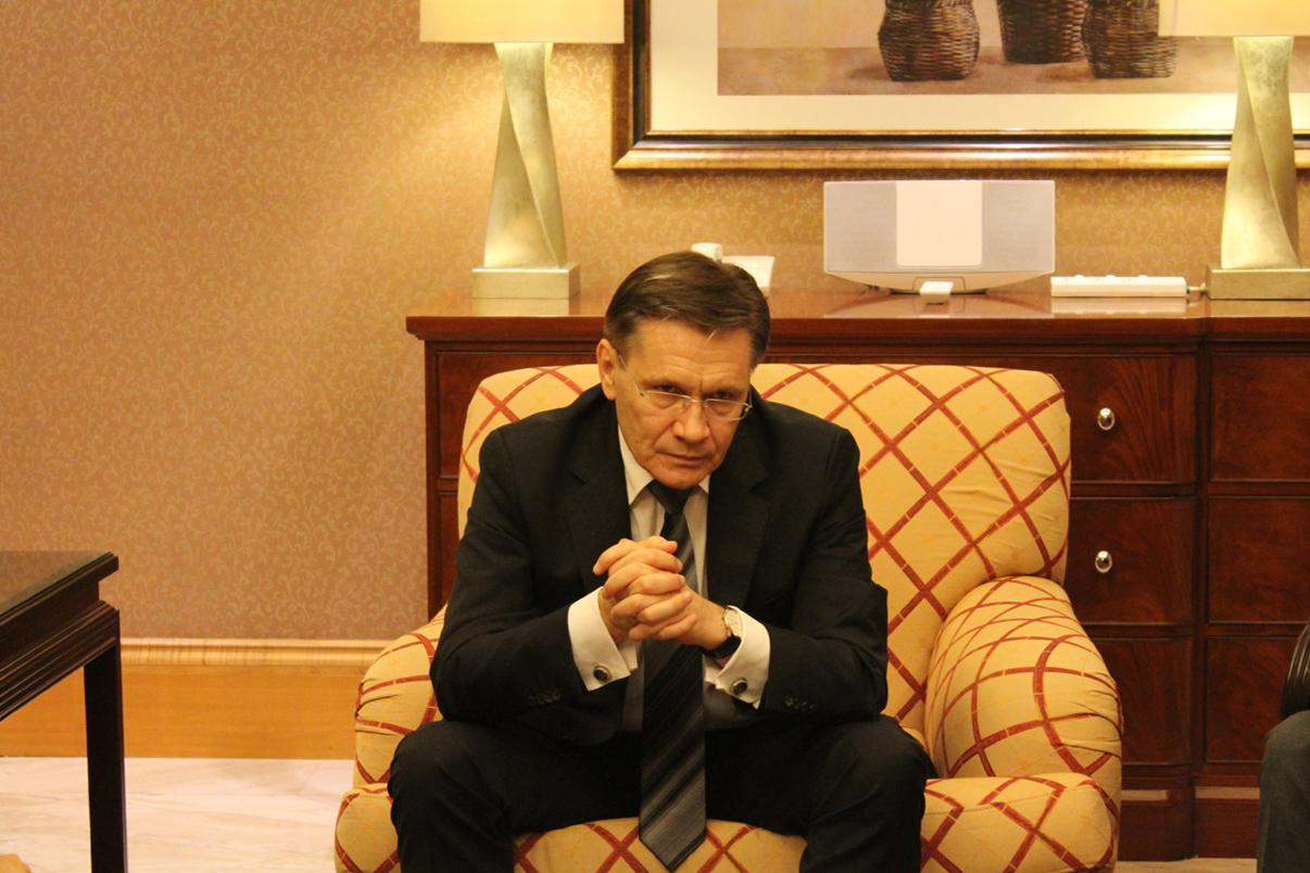 Wakil Menteri Pengembangan Perekonomian Rusia Alexey Likhachev pada sesi jumpa pers di Jakarta, Selasa (3/5).
