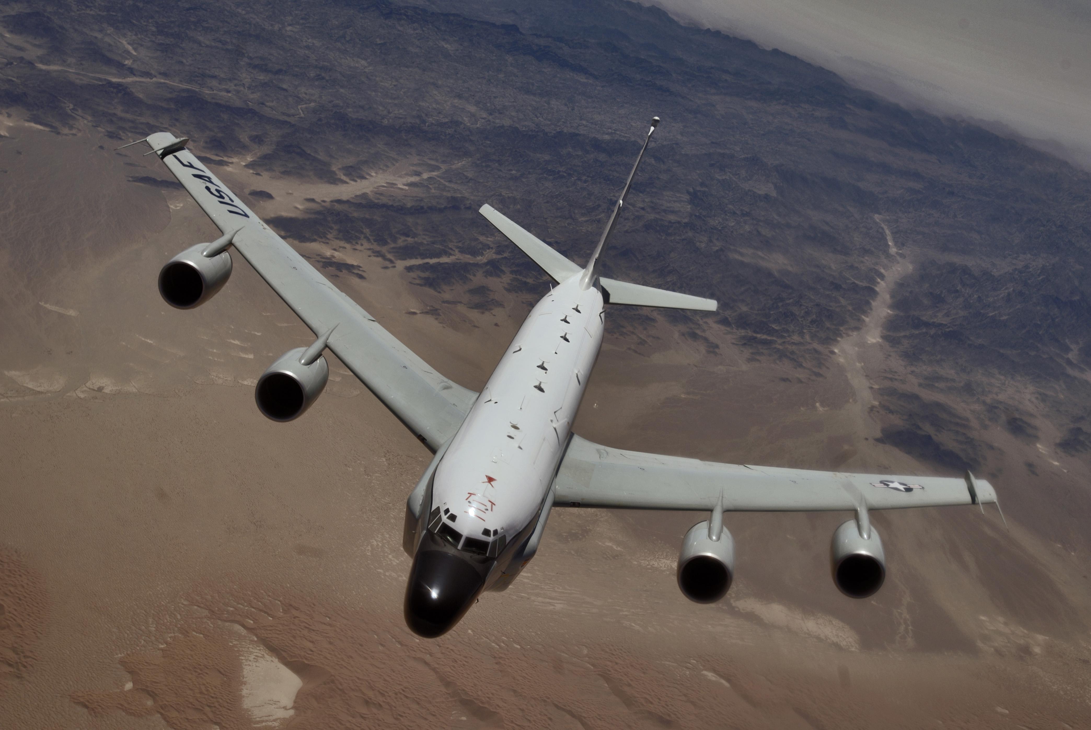 Letalo RC-135.