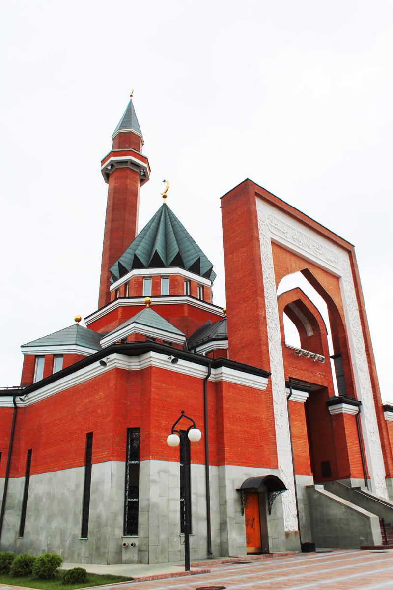 Masjid Memorial di Bukit Poklonnaya, Moskow, punya nilai sejarah. Masjid ini didirikan atas inisiatif Pemerintah Moskow dan administrasi spiritual muslim Eropa dan Rusia (DUMER) untuk menghormati dan mengenang tentara muslim Uni Soviet yang mengorbankan nyawa mereka dalam Perang Dunia II. Sumber: Fauzan Al-Rasyid/RBTH Indonesia