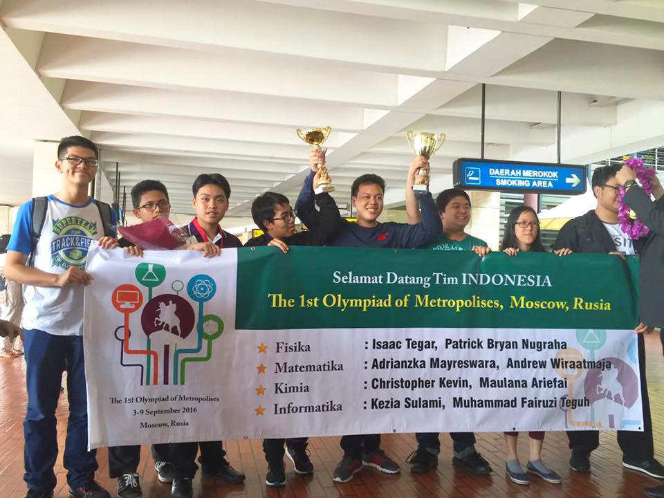 Pada kontes yang mengujikan berbagai disiplin ilmu ini, seperti Informatika, Matematika, Fisika, dan Kimia, delapan pelajar SMA DKI Jakarta berhasil meraih skor 68.