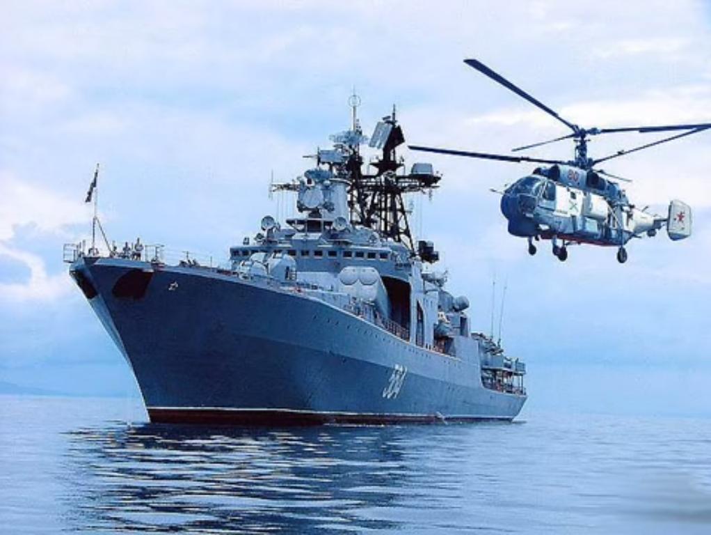 Admiral Tributs memiliki panjang 163 meter, lebar 19,02 meter, dan bobot 6.955 ton.