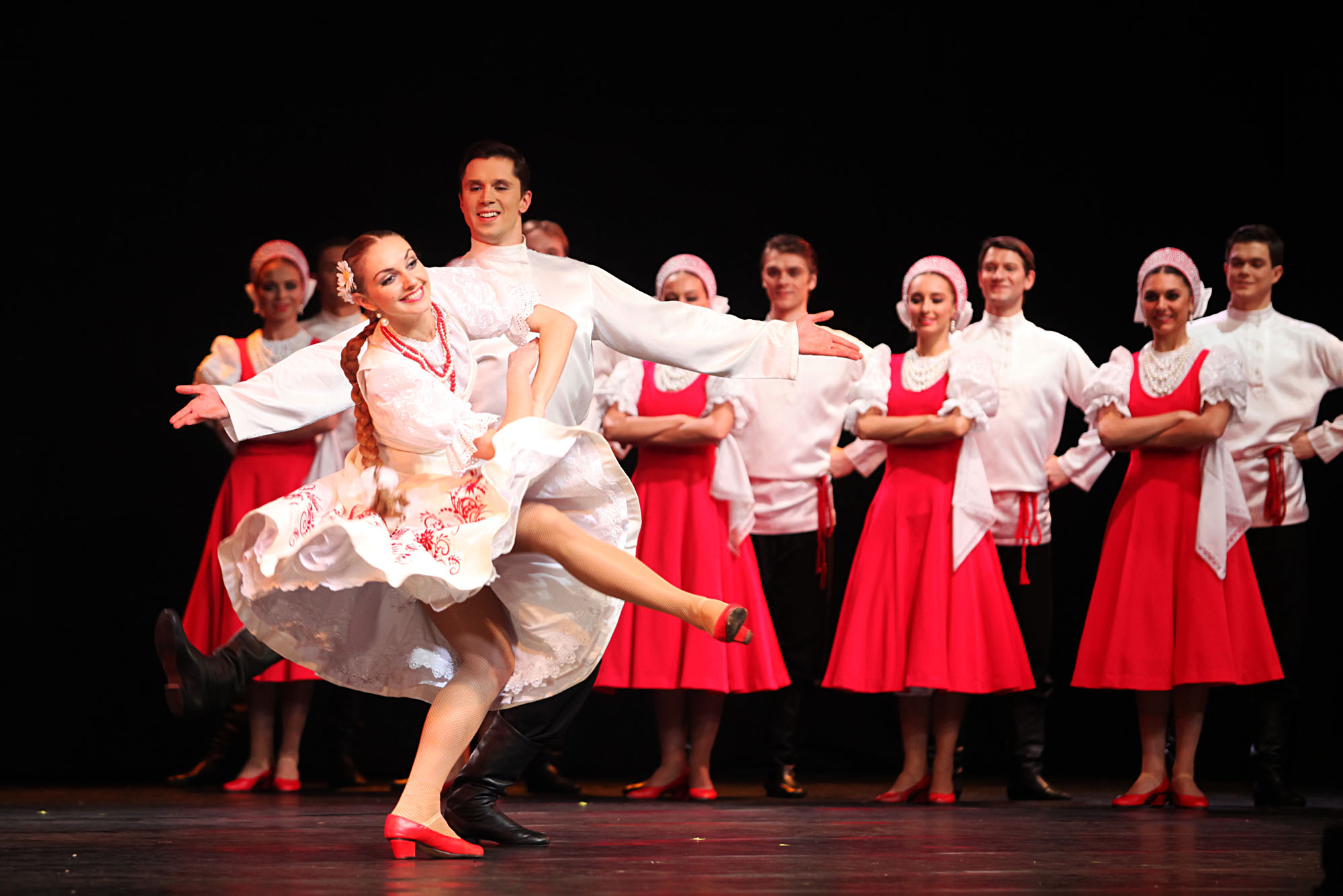 Akademi Negeri Ansambel Tarian-tarian Populer Igor Moiseyev (atau lebih dikenal sebagai Igor Moiseyev Ballet) dari Rusia untuk pertama kalinya tampil di Jakarta pada Senin (31/10) malam. Acara ini berlangsung di Grand Ballroom Kempinski, Hotel Indonesia.