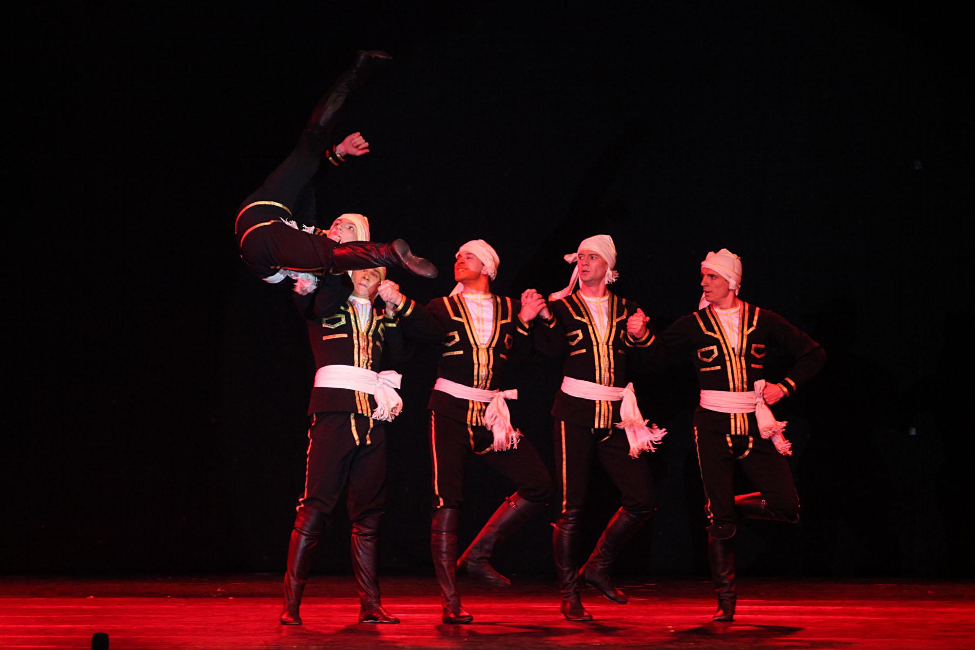 Moiseyev dikenal sebagai koreografer terbersar pada abad ke-20 yang mengubah metode pendidikan seni koreografi. Ia mengubah tarian-tarian rakyat menjadi suatu warisan kebudayaan dunia.
