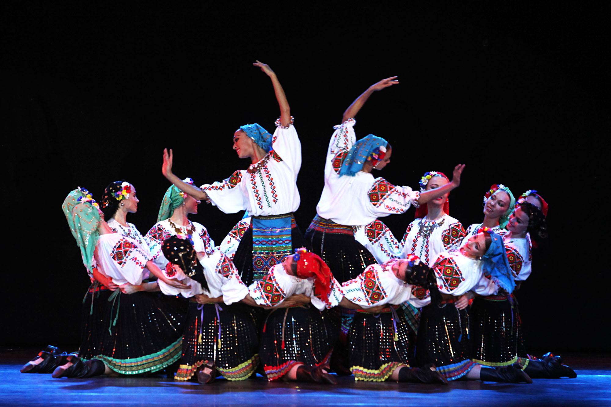 Selain menampilkan tarian-tarian Rusa, pada penampilan di Jakarta, Igor Moiseyev Ballet menampilkan tarian dari Yunani, Uzbekistan, Meksiko, dan Argentina.