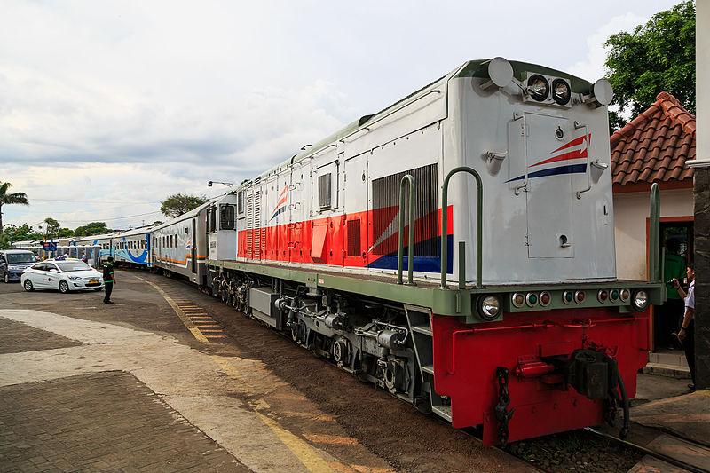 Menteri Perhubungan Indonesia telah menawarkan proyek untuk membangun kereta api di rute Surabaya-Malang kepada pihak Rusia.