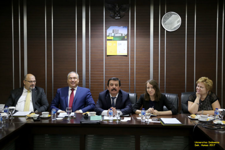 Delegasi MGU menawarkan kerja sama dalam sejumlah bidang, di antaranya adalah pendirian pusat bahasa Rusia di UI.