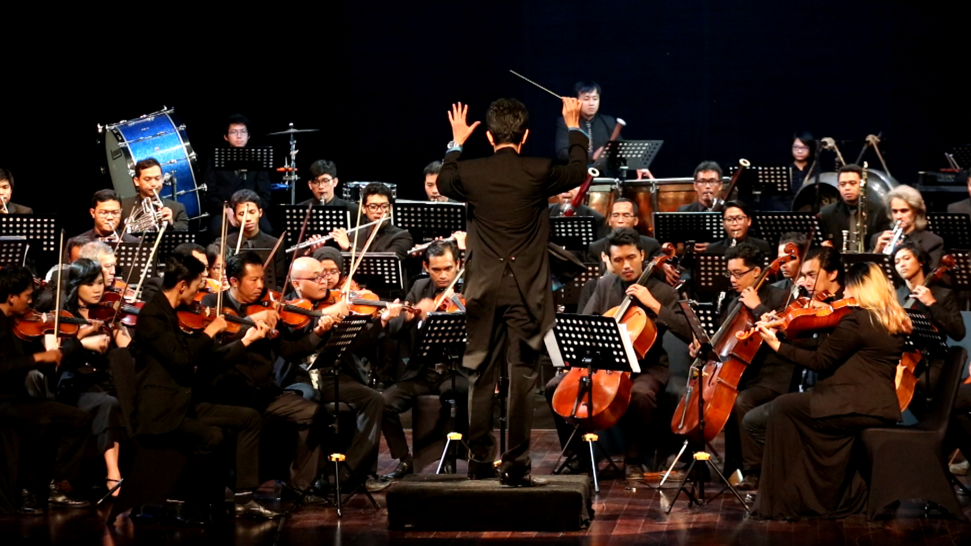 Orkes itu dimainkan oleh 56 pemusik terpilih yang sudah menjalankan audisi di Jakarta dan Yogyakarta. Mereka rata-rata masih berusia 20-an dan tampil dalam dua babak yang masing-masing berdurasi 40 menit.
