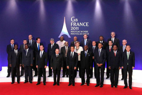 "Traditional ""family photo"" at the G8 summit meeting in Deauville in 2011. Source: en.wikipedia.org"