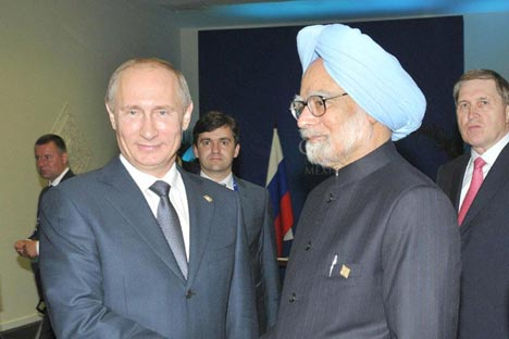 The Prime Minister, Dr. Manmohan Singh meeting the President of the Russian Federation, Mr. Vladimir Putin, on the sidelines of the G-20 Summit, at Los Cabos, Mexico on June 19, 2012. Photo Division, Ministry of Information & Broadcasting, Government