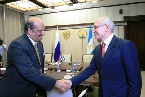 Ajai Malhotra, the Ambassador of India to Russian Federation  and Rustem Khamitov, President of the Republic of Bashkortostan. Source: Press Photo