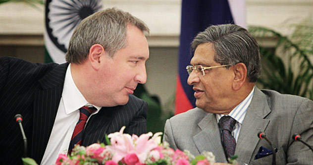 Russian Deputy Prime Minister Dmitry Rogozin meets with Indian External Affairs Minister Somanahalli Mallaiah Krishna. Source: RIA Novosti / Sergey Mamontov