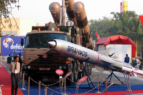 The BrahMos missile has a range of 290 km (180 miles) and can carry a conventional warhead of up to 300 kg (660 lbs). Source: Said Aminov